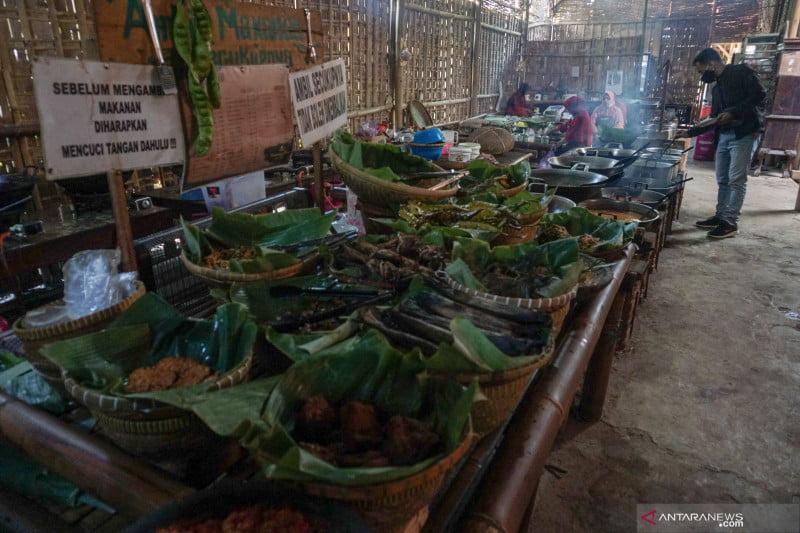 antarafoto wisata kuliner kampung jawa pawone simbah 240921 hpp 3