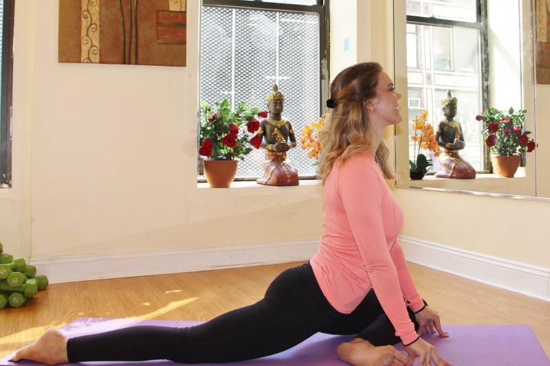yoga pose 2925613 1280